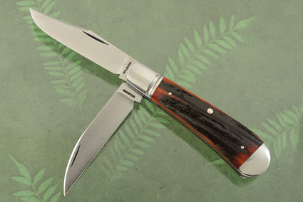 Double Blade Dogleg Trapper with Amber Stag